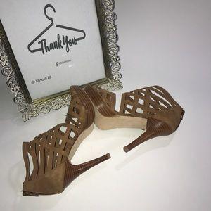 Stuart Weizman  Tan Brown Strappy Sandals Heels 👠